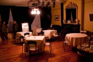 8-le Salon qui sert aux spectacles