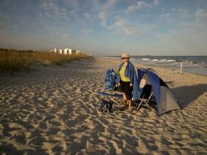 Bien à l\'abri du vent. Au loin les premiers hotels de Myrtle beach.